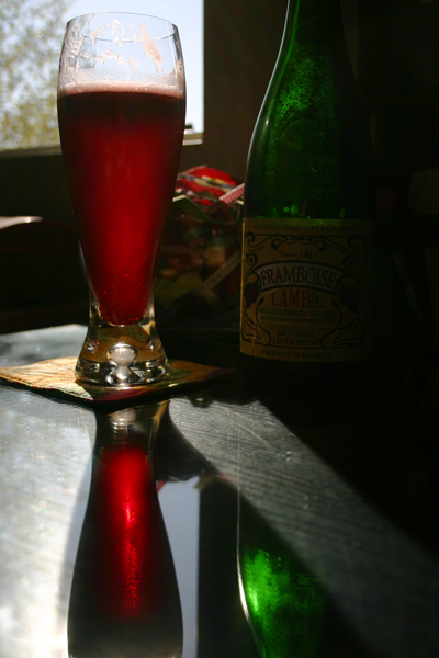 Lambic-glass-and-bottle