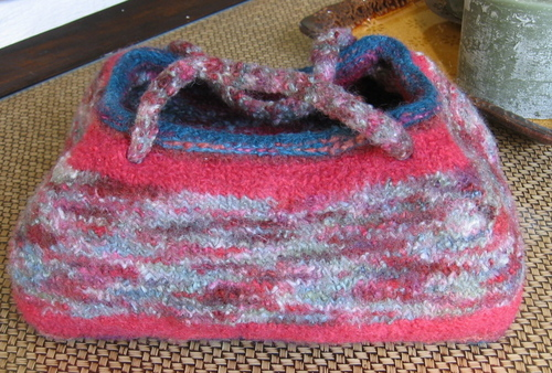Felted Mini-Doctor's Bag in Manos